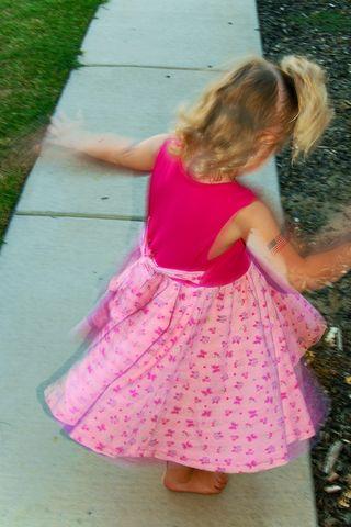Twirl_girl